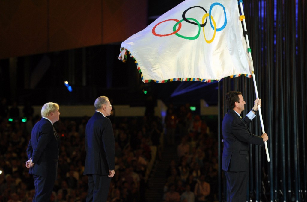 Tokyo Governor Yoichi Masuzoe had been due to receive the Olympic flag at the Rio 2016 Closing Ceremony, just like Rio de Janeiro Mayor Eduardo Paes did at London 2012 ©Getty Images