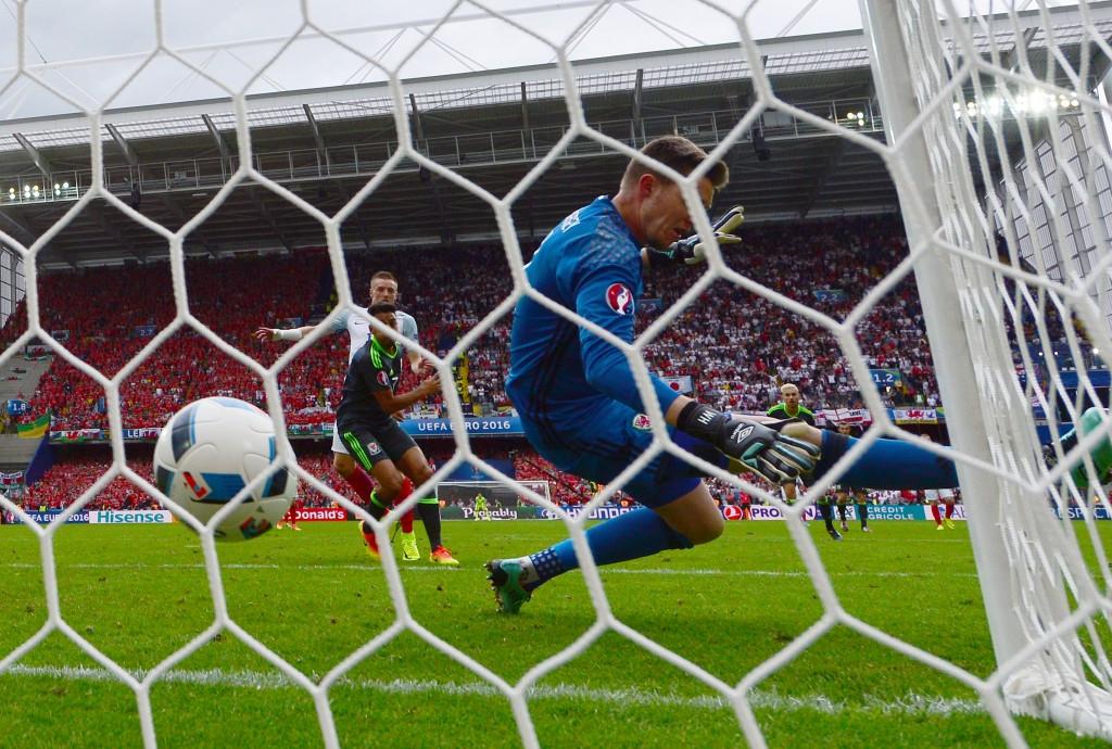 Sturridge strikes to hand England dramatic Euro 2016 win over Wales