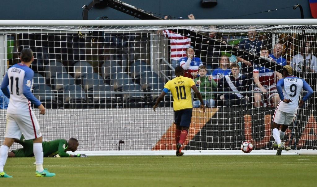 United States edge Ecuador to reach semi-finals of Copa América Centenario