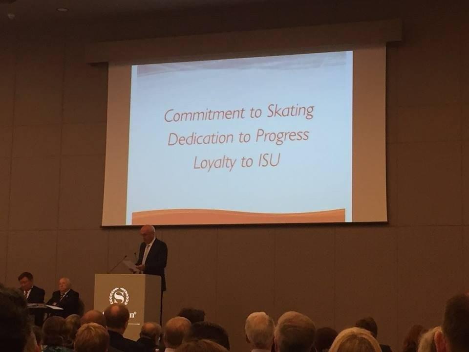 György Sallak delivering his speech at the ISU Congress in Dubrovnik ©Twitter