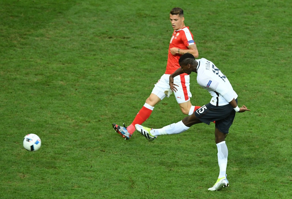 Switzerland reach Euro 2016 knock-out stage after holding hosts to draw