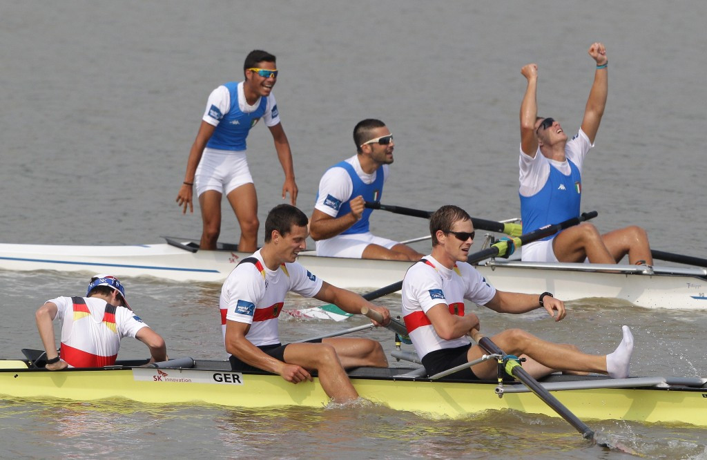 Vincenzo Abbagnale, top, centre, reacts after winning coxed pair gold medal at the 2013 World Championships ©Getty Images