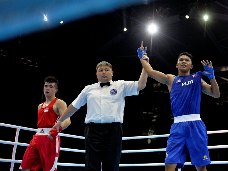 Eumir Marcial, right is one of the few Filipino athletes to have already qualified for Tokyo 2020 ©Getty Images