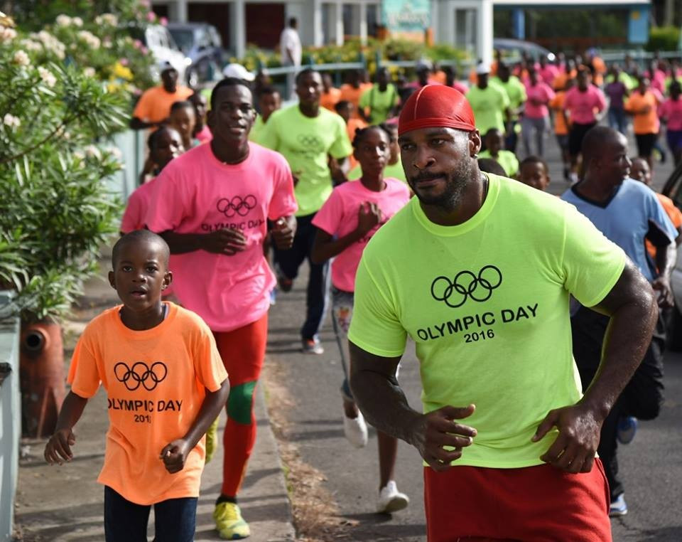 People of all ages took part in an Olympic Day fun run in Greneda ©GRNOC