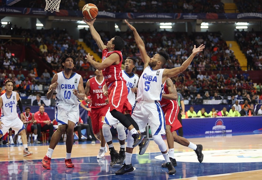 Hosts Panama maintain unbeaten record to secure qualification for 2016 Men's Centrobasket semi-finals