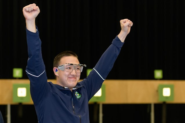 Brazil's Felipe Almeida Wu continued his preparations for a home Olympics by winning the men's 10m air pistol event at the ISSF World Cup in Baku ©ISSF