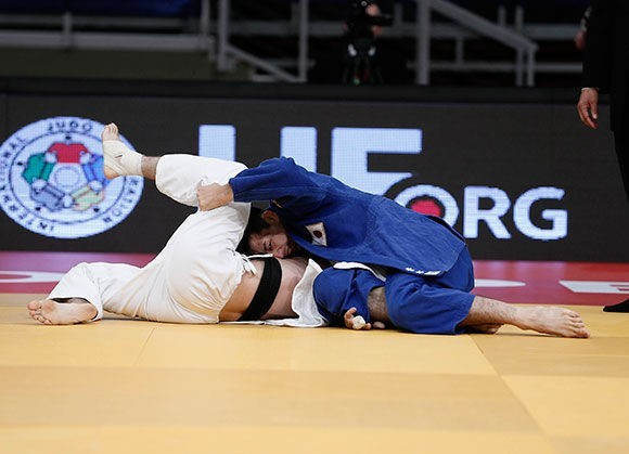 World number 278 Dai Aoki clinched a shock triumph in the men's under 60kg division ©IJF