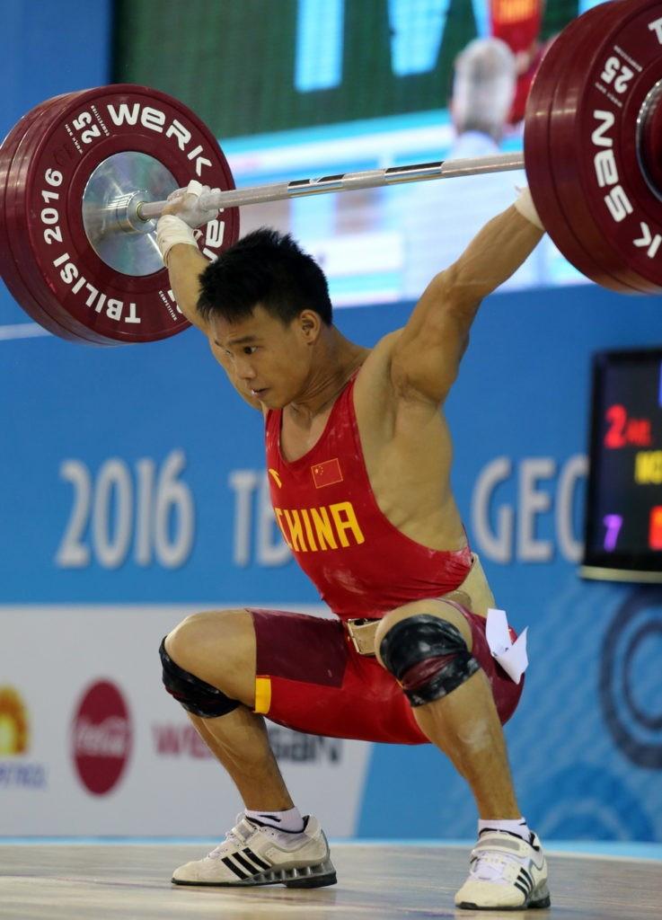 China's Yongxiang Mo topped the men's 62kg podium ©IWF