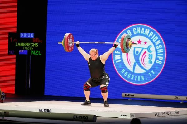 Tracey Lambrechs in action at the 2015 World Weightlifting Championships in Houston ©NZOC