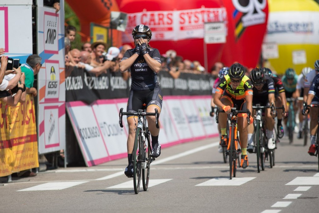 Hosking earns sprint success on third stage of Giro d'Italia Internazionale Femminine