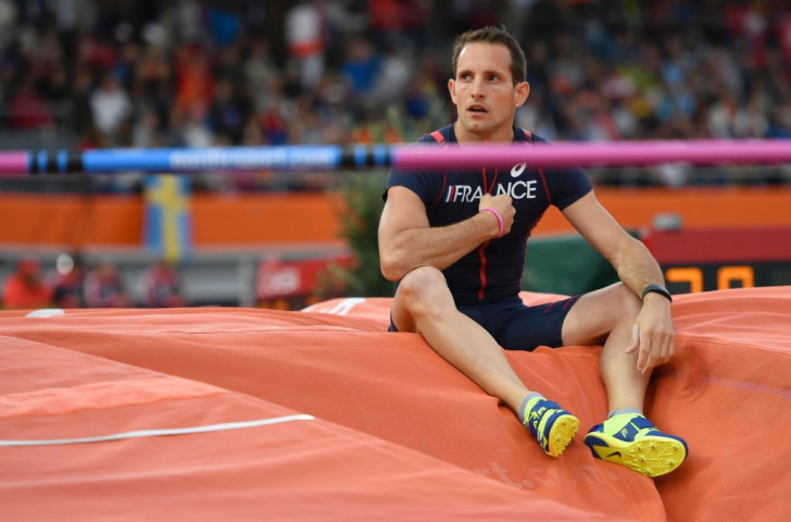 France's Olympic pole vault champion Renaud Lavillenie contemplates the unfamiliar feeling of  failure after failing to register a height in his defence of the European title ©Getty Images