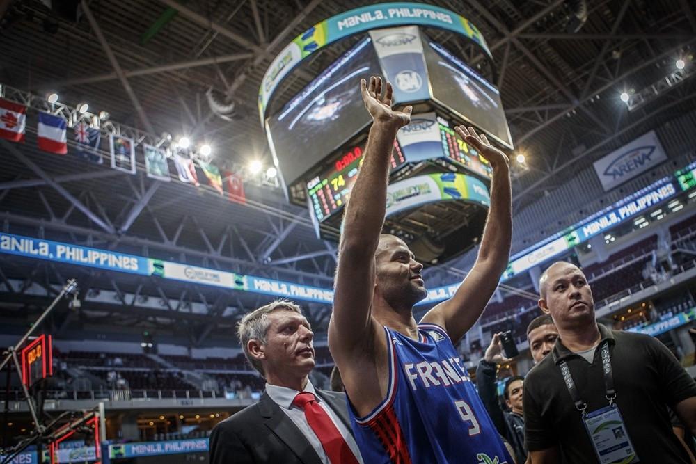 Parker shines as France reach Rio 2016 basketball tournament