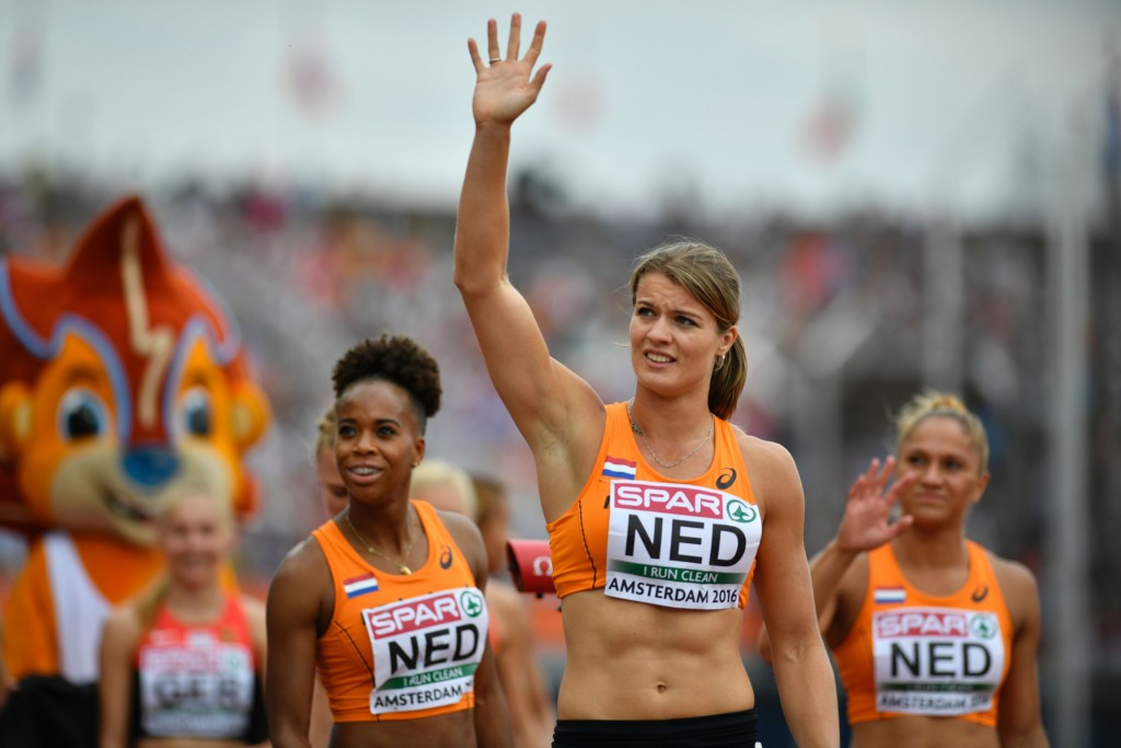 Dafne Schippers salutes the crowd after helping earn the host country's fourth gold of the European Athletics Championships ©Getty Images