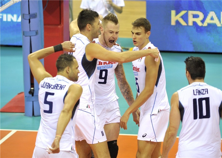Italy keep semi-final hopes alive with victory over United States at FIVB World League final six