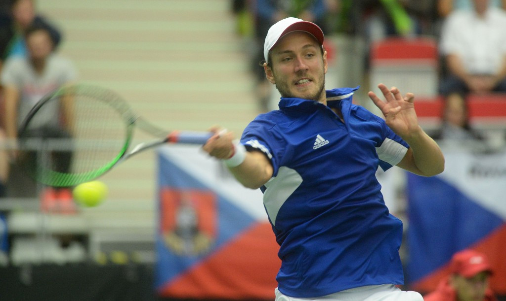 Pouille draws France level against Czech Republic as rain affects opening day of Davis Cup quarter-finals