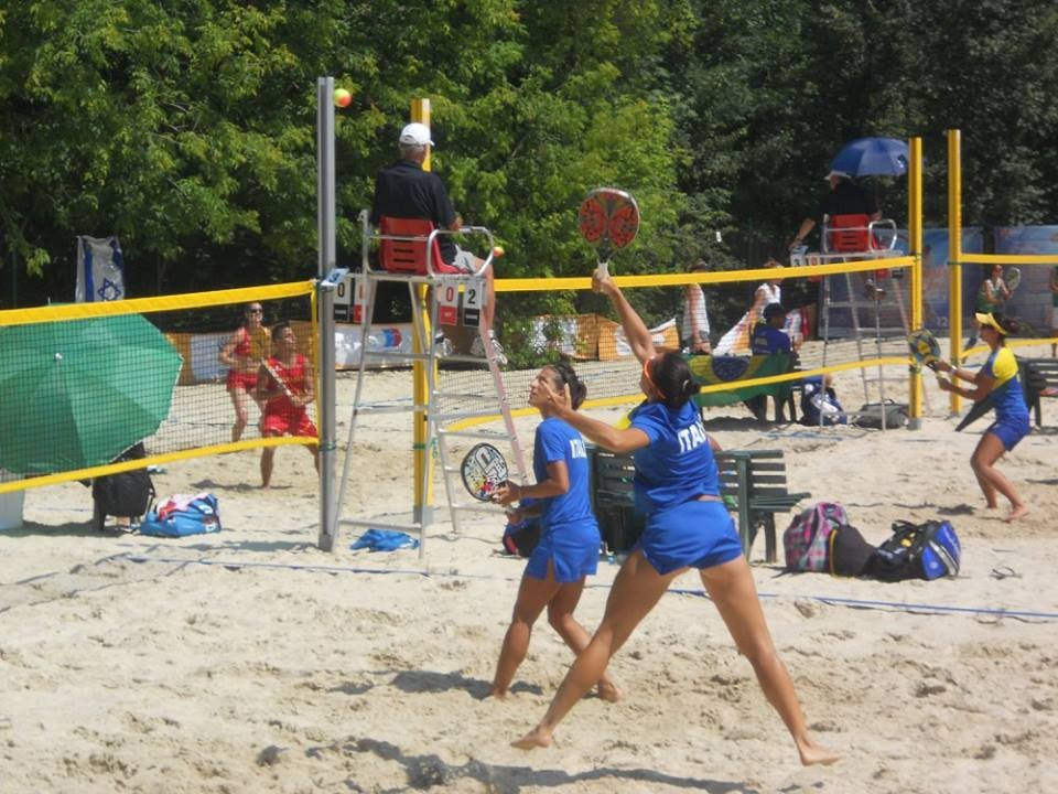 Holders come from behind to seal ITF Beach Tennis World Team Championship semi-final spot