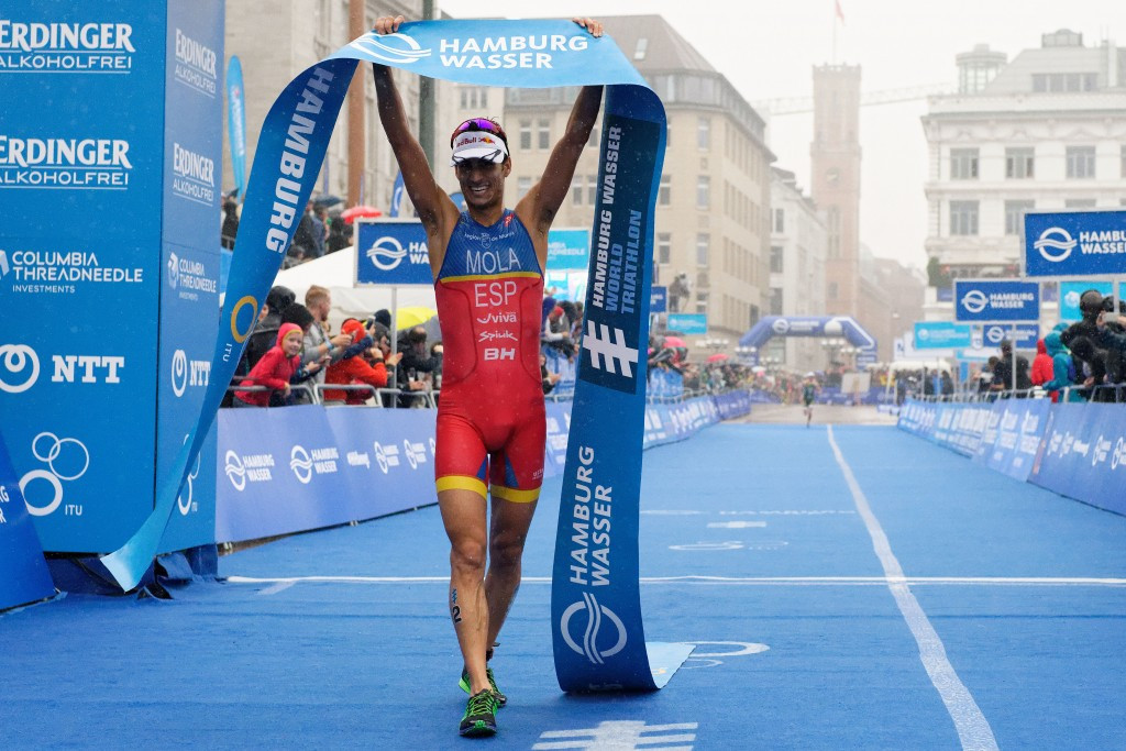 Mola claims Hamburg World Triathlon Series win as penalised Murray is disqualified for protest