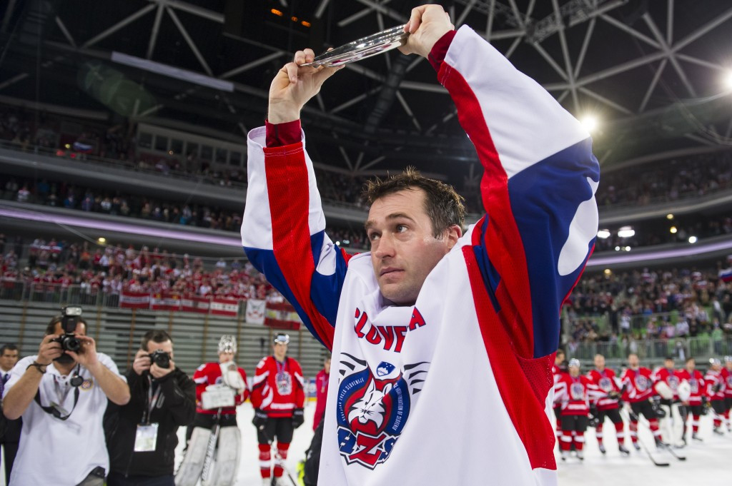 Sochi 2014 flagbearer Razingar retires from ice hockey