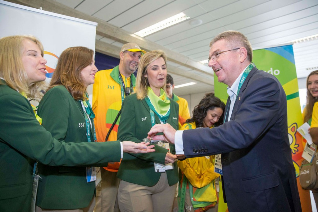 IOC President Thomas Bach arrived in Rio de Janeiro to a warm welcome from volunteers ©IOC