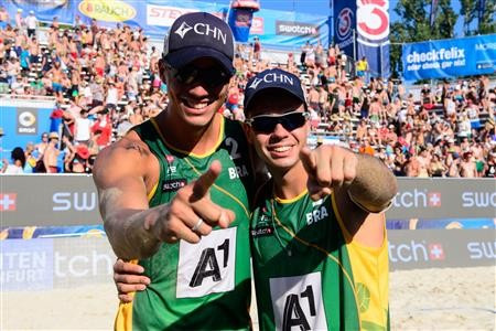 Brazil's Saymon Barbosa and Gustavo