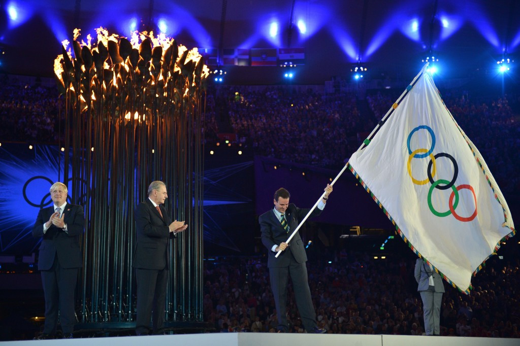 Rio Mayor Eduardo Paes received the Olympic Flag from London Mayor Boris Johnson four years ago and will now hand it on to new Tokyo Governor Yuriko Koike at the Closing Ceremony on August 21 ©Getty Images