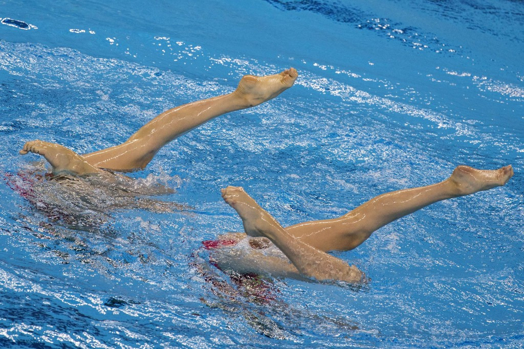 Austrian synchro duets pair dedicate unexpected Baku 2015 silver medal to team-mate injured by bus
