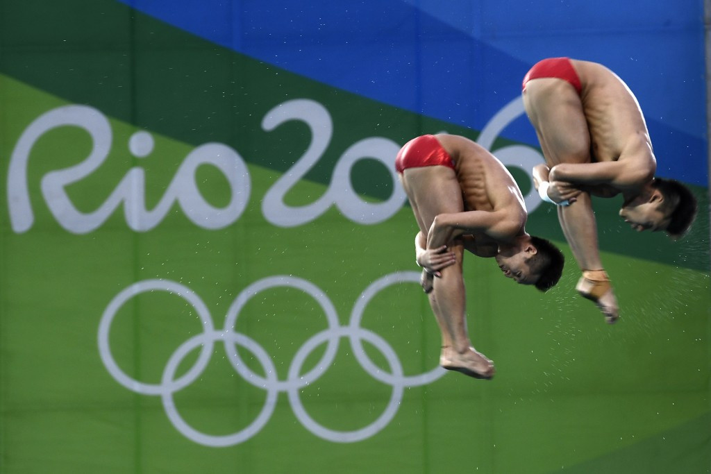 China's world champions outclass field to secure men's 10m synchronised platform title at Rio 2016