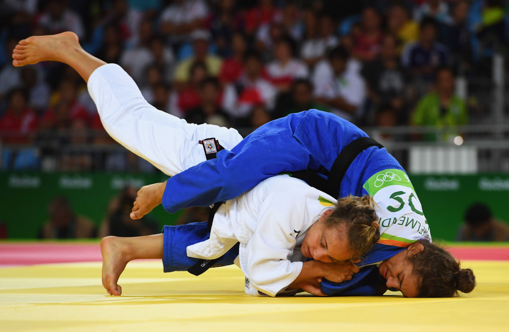 Majlinda Kelmendi beat Italy's Odette Giuffrida in the final of the under 52kg to win an historic Olympic gold medal for Kosovo and which was presented by IOC President Thomas Bach ©Getty Images