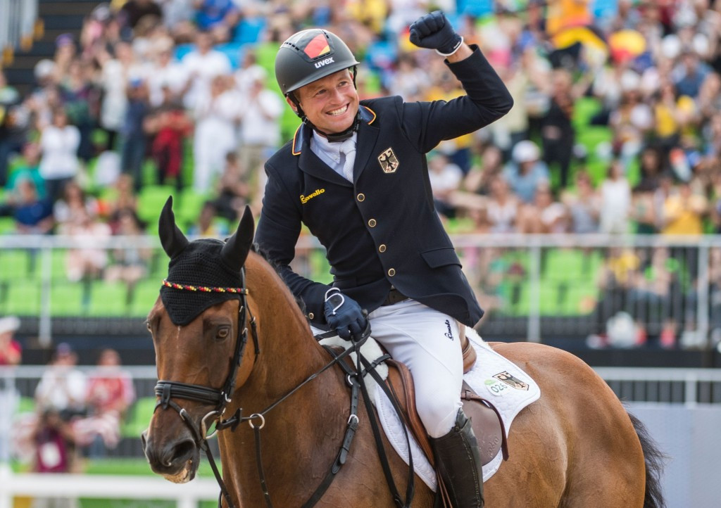 Germany's Jung retains individual Olympic eventing crown at Rio 2016