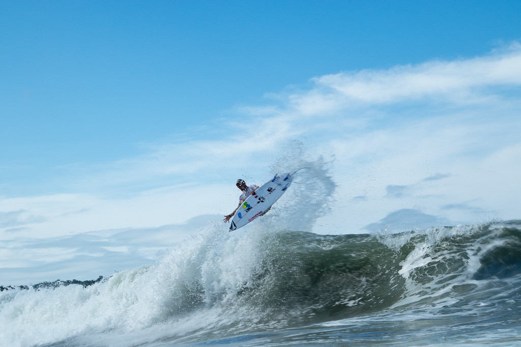 Repechage heats narrow field on fourth day of ISA World Surfing Games