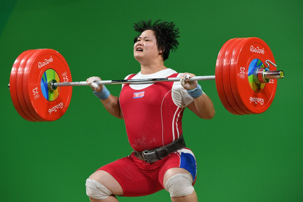 North Korea's Kim Kuk-hyang led after the snatch but ultimately had to settle for silver ©Getty Images