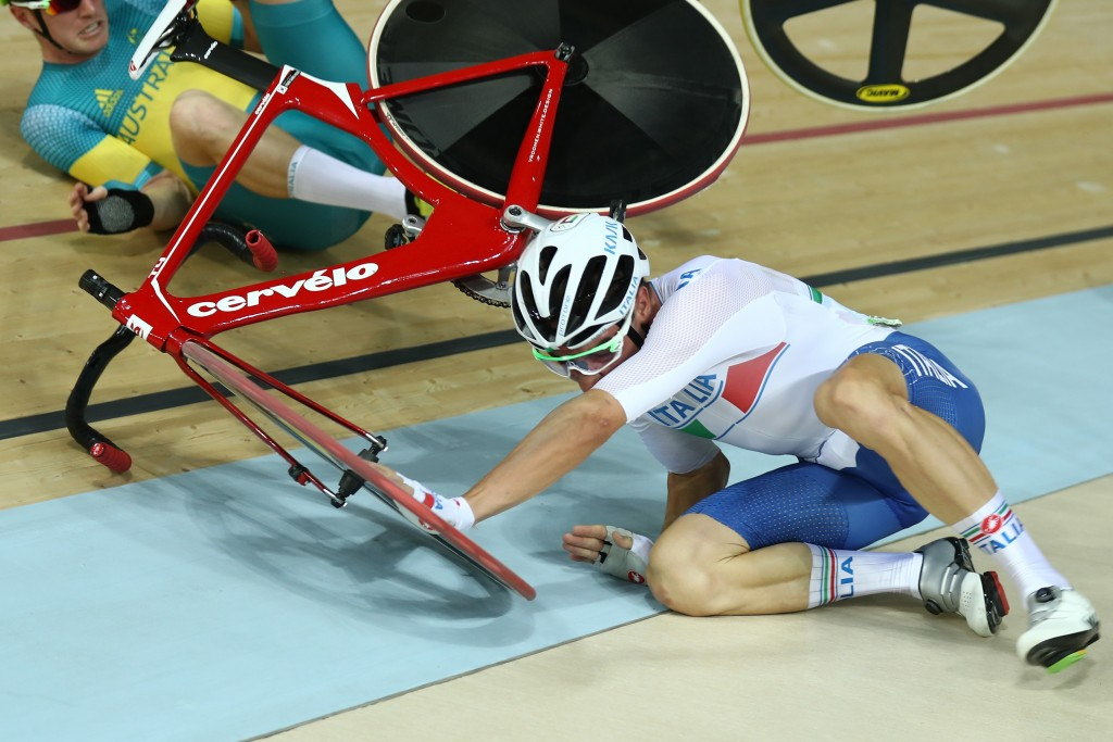 Elia Viviani recovered from a crash midway through the points race before claiming gold ©Getty Images