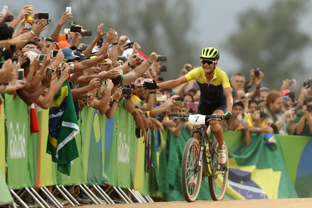 Rissveds succeeds with late attack to secure women's Olympic mountain bike gold