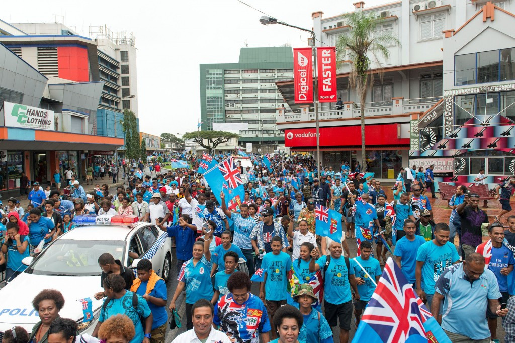 Fijians charge onto the Suva streets to honour the Fijian rugby sevens team ©Getty Images