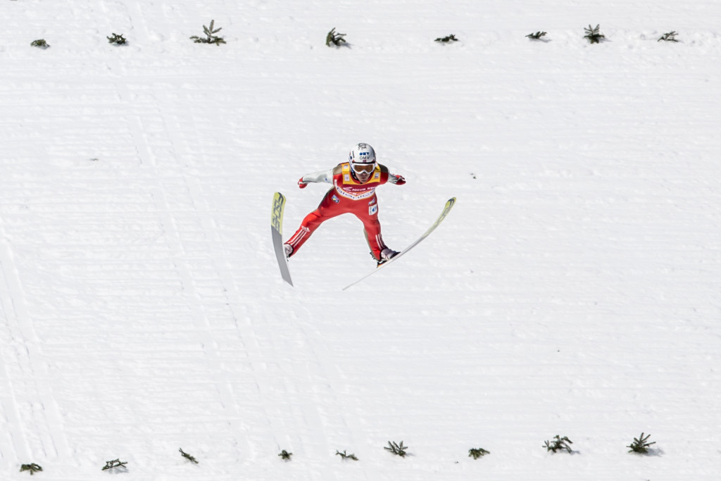 Ski flying world champion to return following stress fracture