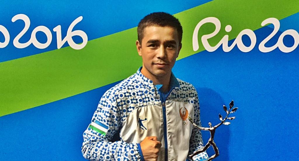 Hasanboy Dusmatov won the men's Val Barker Trophy ©AIBA