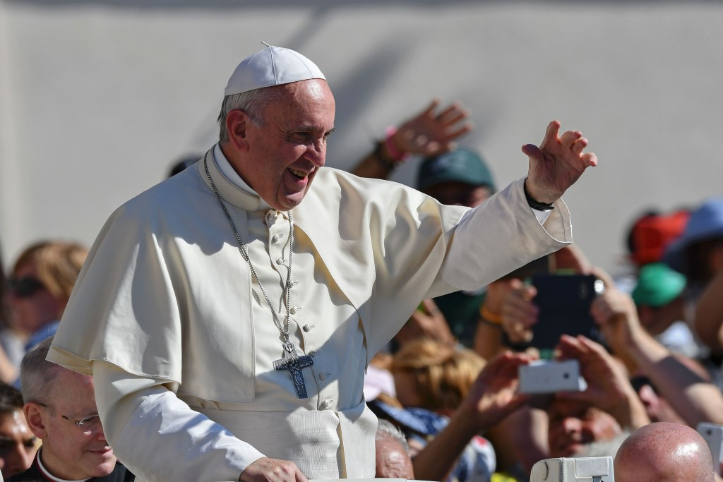 Pope Francis wishes athletes good luck for Rio 2016 Paralympics