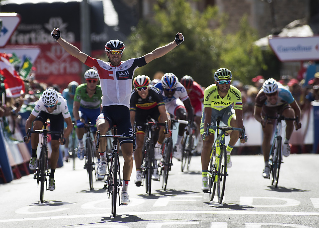Van Genechten wins Vuelta a España stage seven after late crash