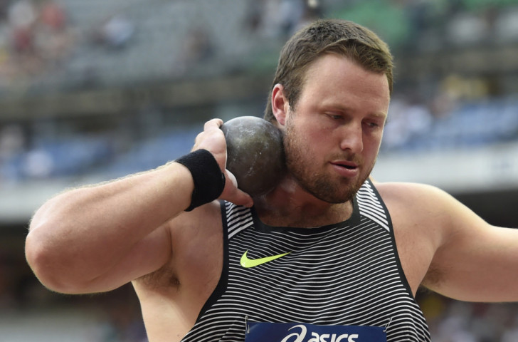 New Zealand's Olympic shot put bronze medallist Tom Walsh beat US Olympic champion Ryan Crouser by 1cm with a last effort of 22.00m, an area record ©Getty Images