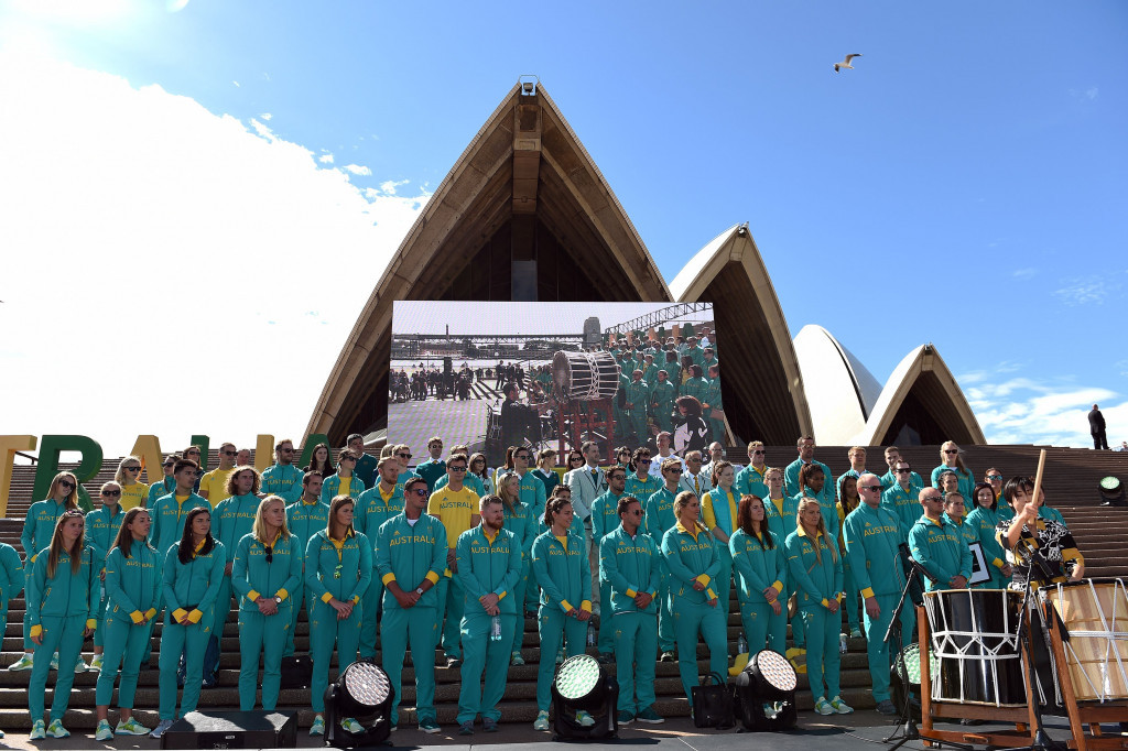 Australians gather in Sydney to celebrate return of Rio 2016 Olympians as key sports official resigns
