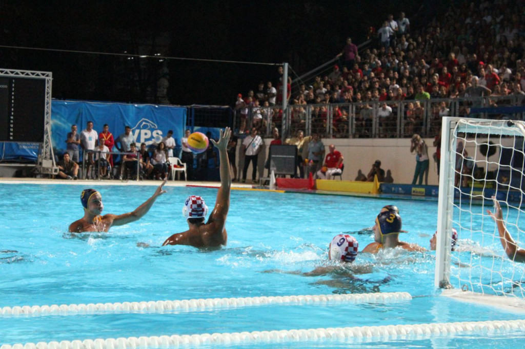 Croatia proved too strong for the home nation in front of a packed crowd ©FINA