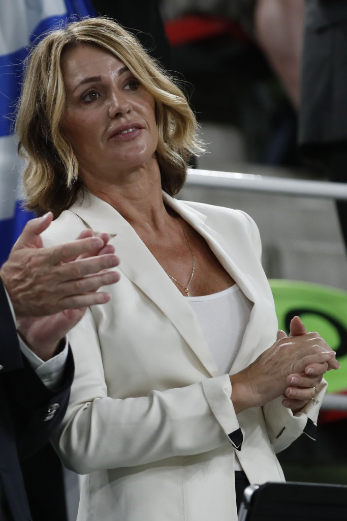 Former Romanian gymnast Nadia Comaneci was among those to pay tribute ©Getty Images