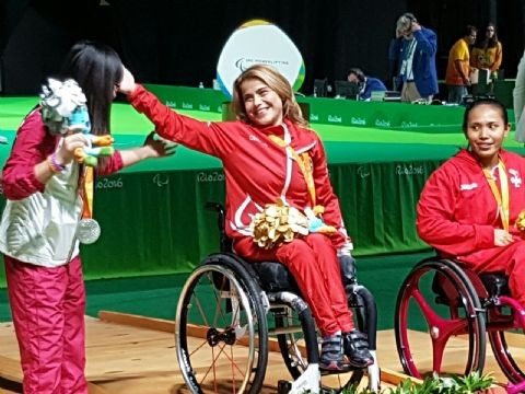 Turkey's Nazmiye Muratli won the women's under 40kg powerlifting gold medal for the second consecutive Paralympic Games ©TMPK