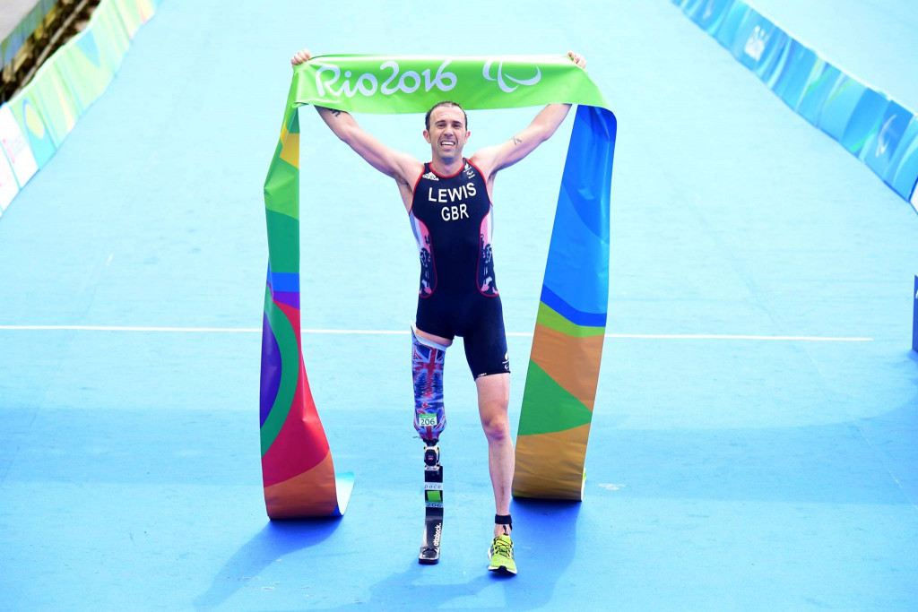 Andy Lewis took British gold in the men's PT2 competition ©ITU