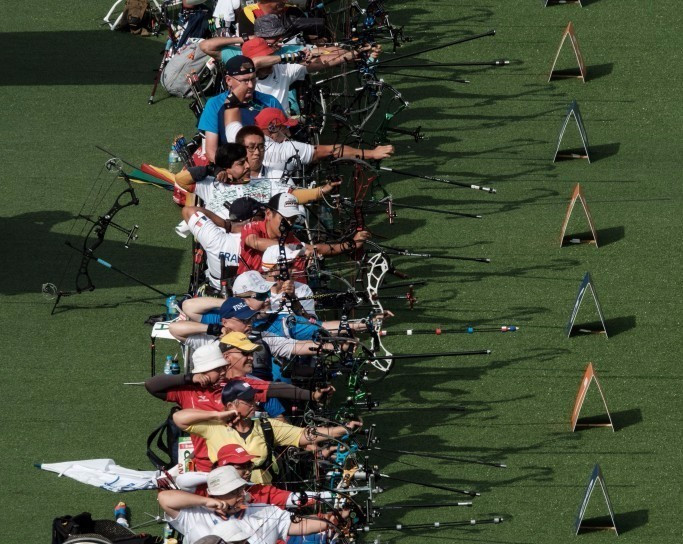 Chinese pair ease to Paralympic mixed team compound open archery gold medal