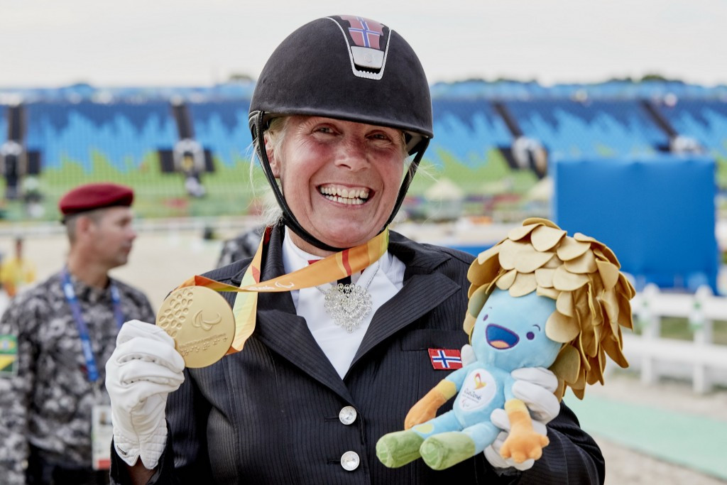 Ann Cathrin Lübbe celebrates her gold medal in Rio 2016 ©FEI