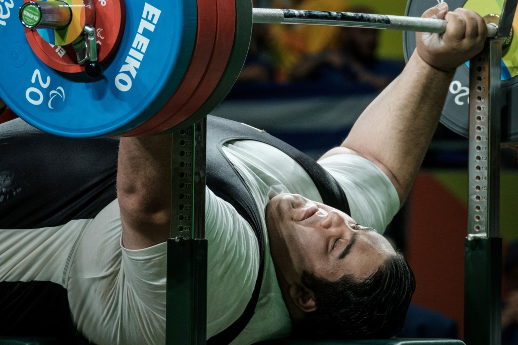 Siamand Rahman lived up to his status at the world's strongest powerlifter ©Getty Images