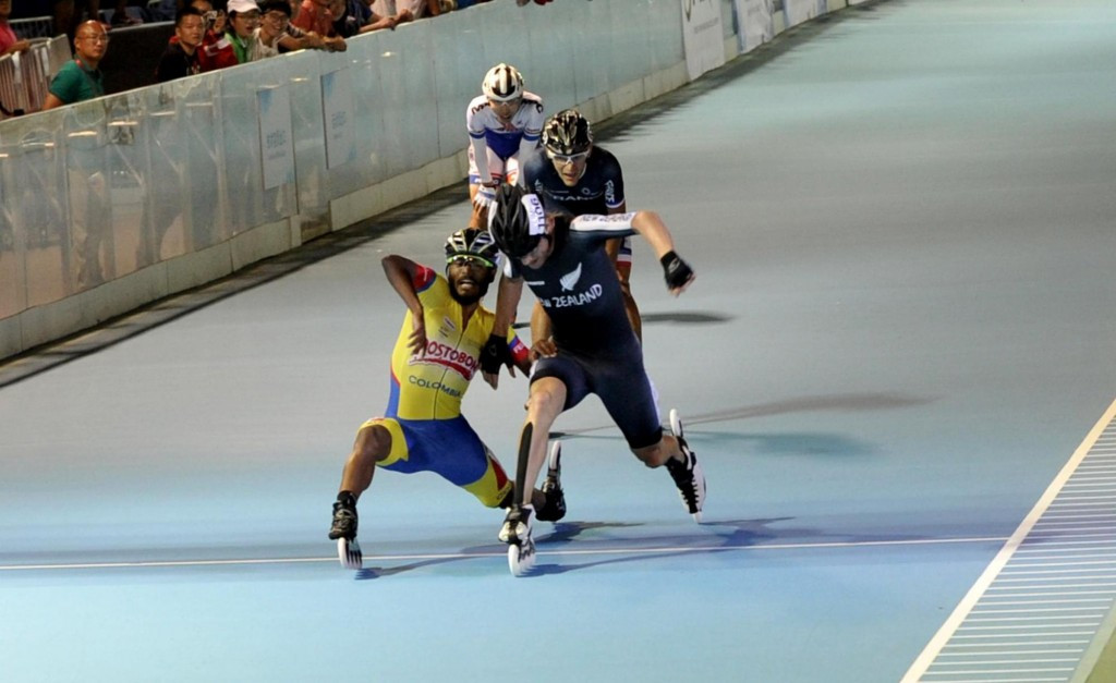 Garzon leads home Colombian one-two in 15,000m race on opening day of FIRS World Speed Skating Championships