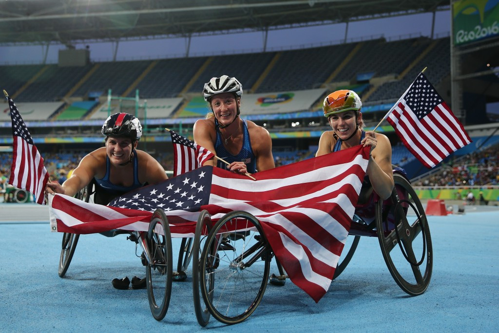 Tatyana McFadden led home an American clean sweep in the women's 5,000m T54 ©Getty Images