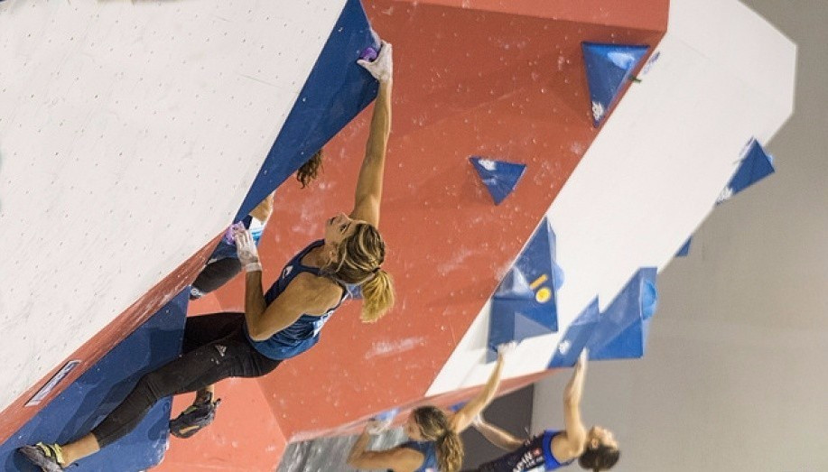 Qualification continued at the World Championships in Paris today ©IFSC